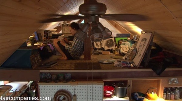 364-sq-ft-tiny-homes-built-with-recycled-materials-004