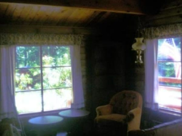 384-sq-ft-tiny-cabin-for-sale-0013