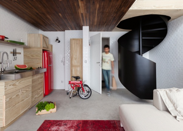 387-sq-ft-2-story-micro-apartment-in-brazil-0012