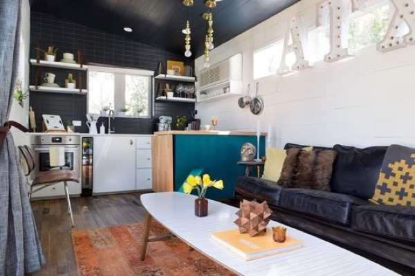 400-Sq-ft-Bohemian-Style-Home-Austin-TX-002