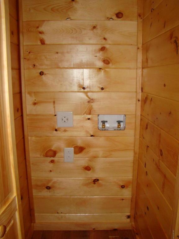 400 Sq Ft Log Cabin in Laurel Fork
