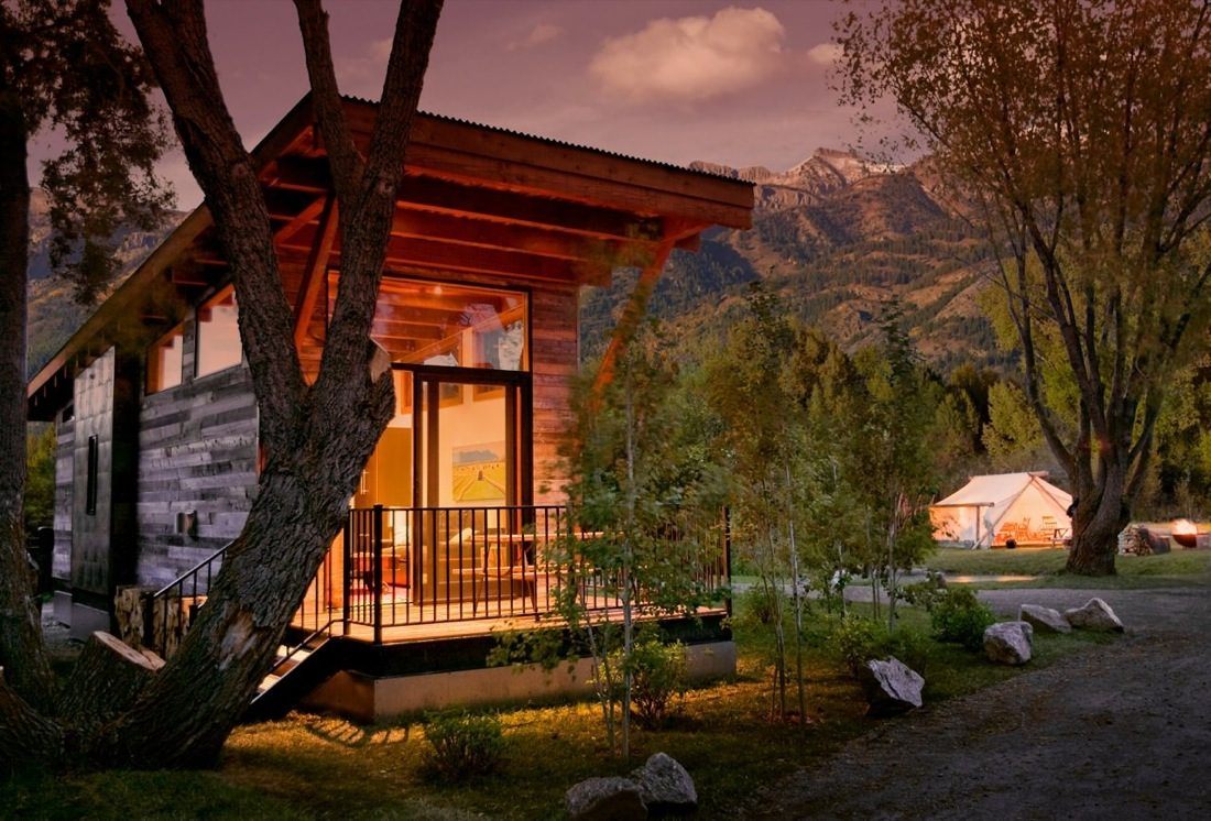 The Wedge 400 Sq Ft Cabin By Wheelhaus
