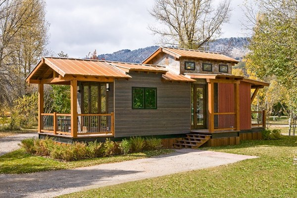 400-sq-ft-wheelhaus-cabin-0001