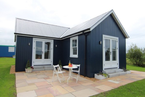 431-sq-ft-cottage-by-the-wee-house-company-0018