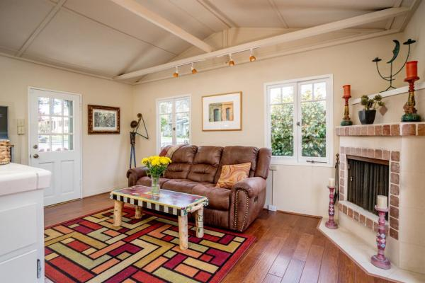 440sf Cottage in Pacific Grove CA_004