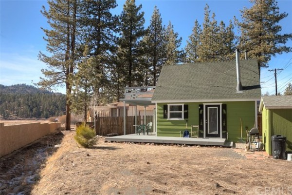 461sf Tiny Cottage in Fawnskin CA For Sale 0016