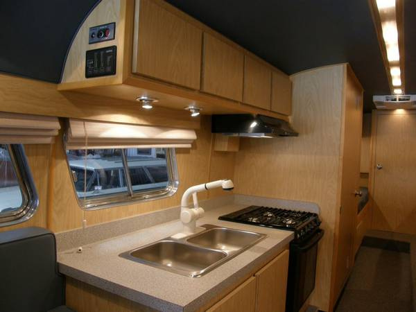 49-flxible-clipper-bus-motorhome-conversion-for-sale-008