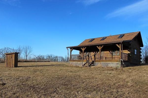500sf Tiny Log Cabin in Viola WI For Sale 002