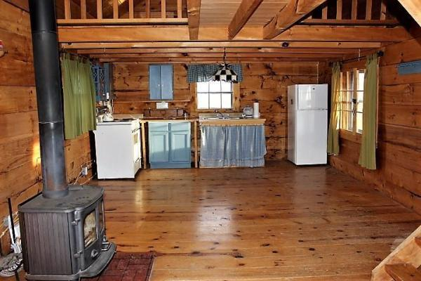500sf Tiny Log Cabin in Viola WI For Sale 003