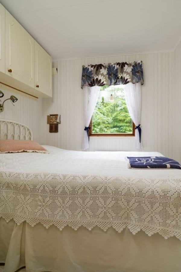 570-sq-ft-tiny-cottage-in-rural-sweden-006