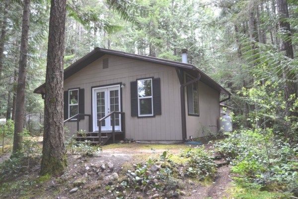 580 Sq. Ft. Tiny Cabin For Sale in Hoodsport, WA 0016