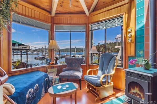 600sf Floating Cottage in San Juan Island 0015