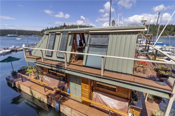 600sf Floating Cottage in San Juan Island 0018