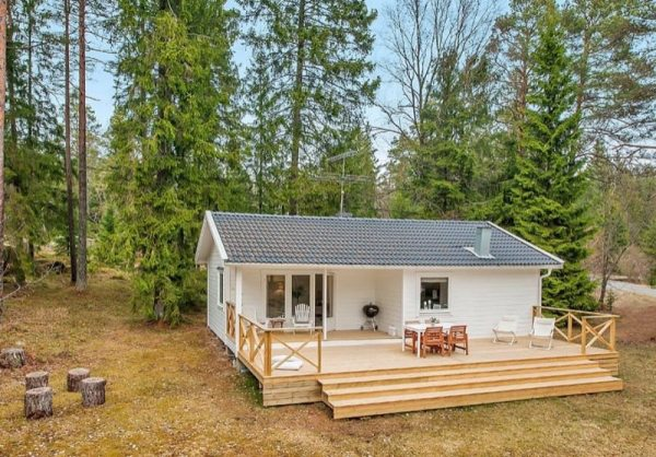 613 Sq Ft Small House In The Woods Of Sweden
