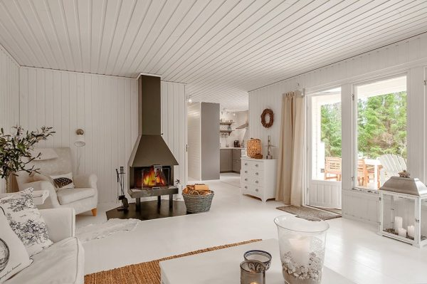 613-sq-ft-small-house-in-sweden-woods-003
