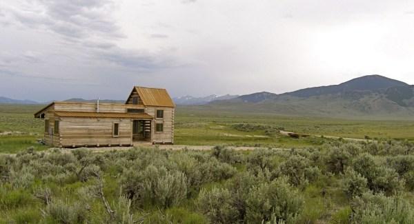 690-Sq-Ft-Little-Lost-Cabin-Idaho-007