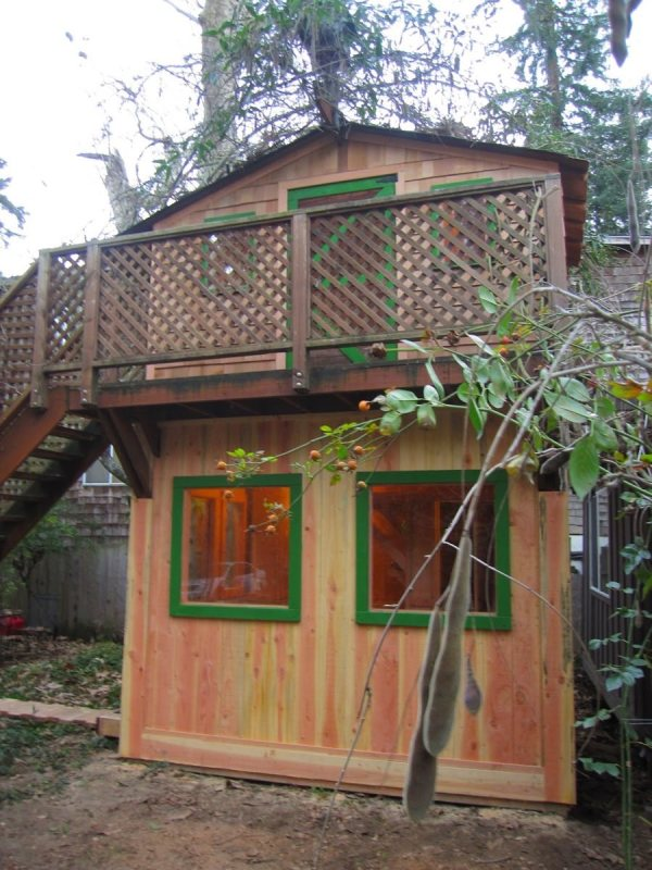 6x10-treehouse-inspired-tiny-house-built-with-scraps-by-molecule-tiny-homes-003