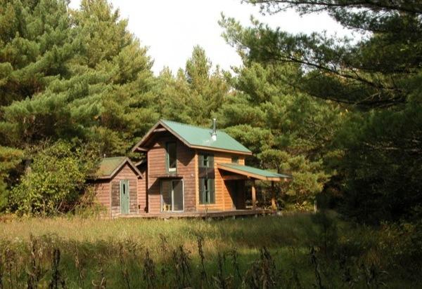 700sf-tiny-cabin-0089
