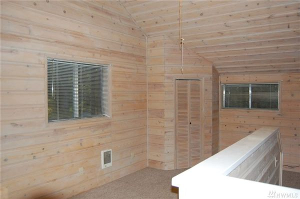 720 Sq Ft Cabin in Hoodsport For Sale 0010