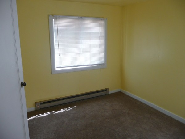 748 Sq. Ft. Cottage For Sale with Great Potential in Olympia 0014