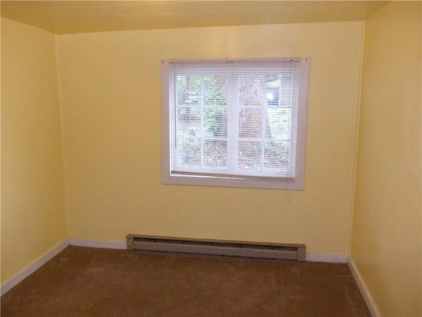748 Sq. Ft. Cottage For Sale with Great Potential in Olympia 0019