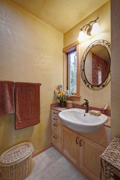 Small House That Feels Big: 800-square-feet Dream Home?