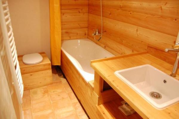 890-sq-ft-cottage-in-france-018