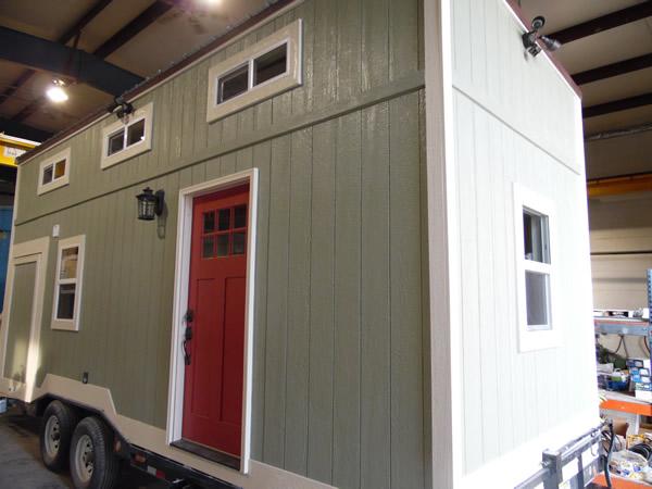8x24-toy-hauler-tiny-house-025