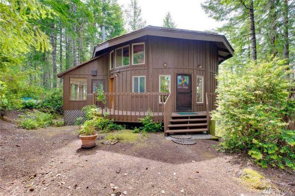 900 Sq Ft Round Cabin in Tahuya WA 0025