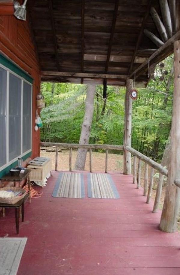 90k-tiny-log-cabin-built-in-1934-via-estately-0014
