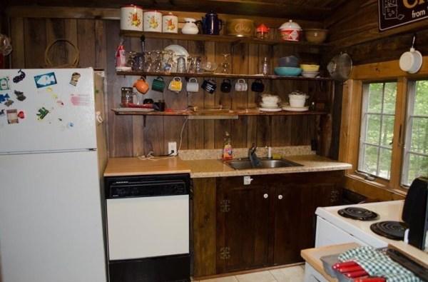 90k-tiny-log-cabin-built-in-1934-via-estately-005