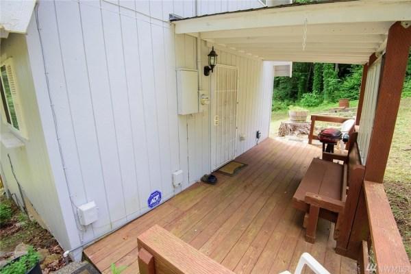 960 Sq. Ft. Barn Cabin For Sale in Shelton, WA
