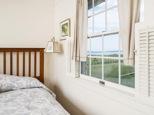 960-sq-ft-cozy-beach-cottage-010