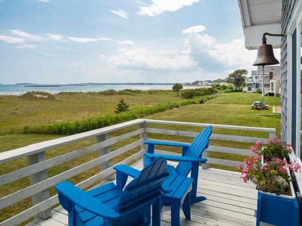 960-sq-ft-cozy-beach-cottage-06