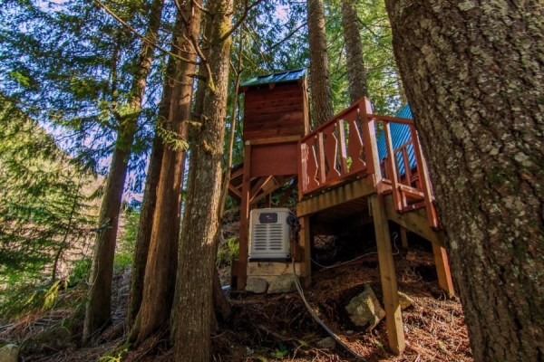 A-frame Cabin For Sale in Skykomish, WA 0040
