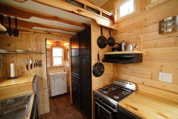 Aarons Craftsman Tiny Home on Wheels using Modified Dan Louche Plans 0018