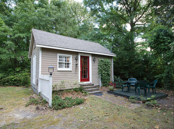 adorable-flowertown-cottage-for-rent-001