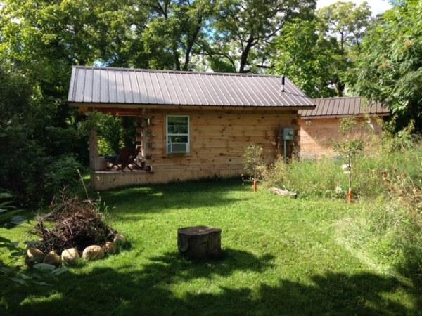 amish-built-tiny-cottage-002