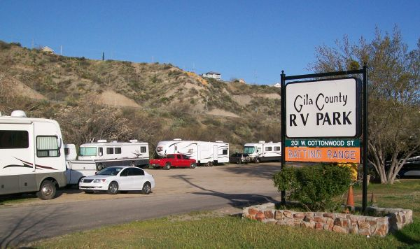 arizona-rv-park-looking-for-manager-in-tiny-house-4