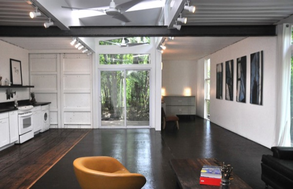Artist-Shipping-Container-Home-Studio-006
