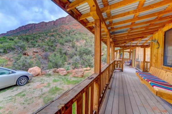 Artsy Tiny Cabin with Amazing Views in Utah For Sale 0017