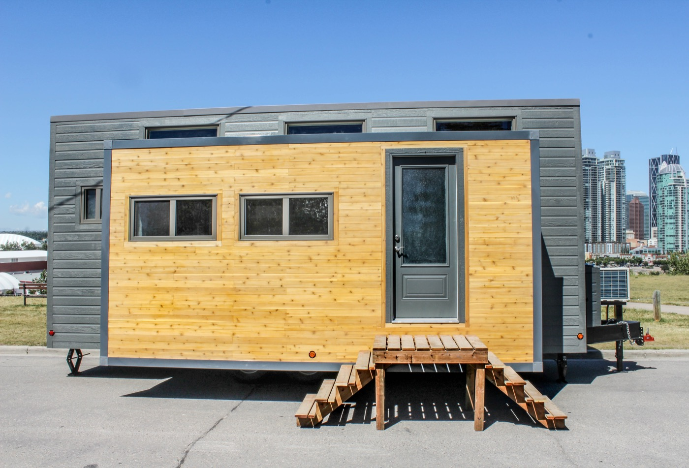 Expanding Tiny House On Wheels With Huge Slide Outs: Expands With The Touch  Of A Button!