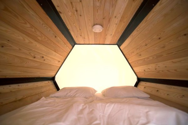 B-and-BEE-AchillesDesign-Stacked-Micro-Shelters-002