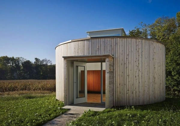 Students Design/Build a Crowd-funded Modern Tiny Cabin