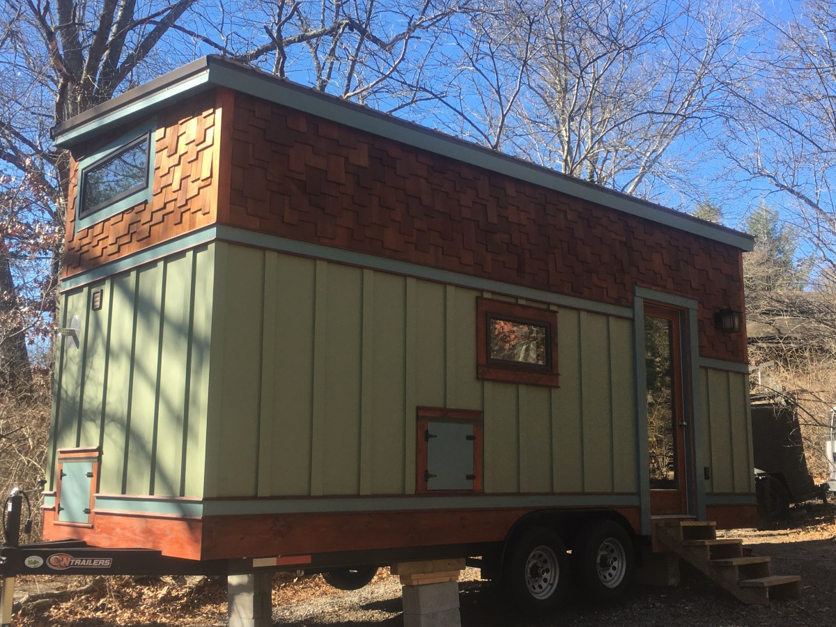 Blue ridge tiny house for sale in asheville nc - Theusd tiny house freedom onsquare feet ...