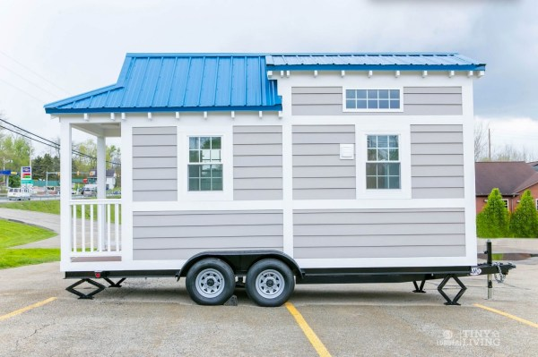 Blue Shonsie Tiny House 001