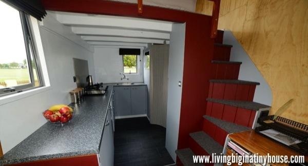 Bretts-Tiny-House-Kitchen-1024x576