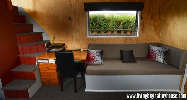 Bretts-Tiny-Living-Room-1024x576