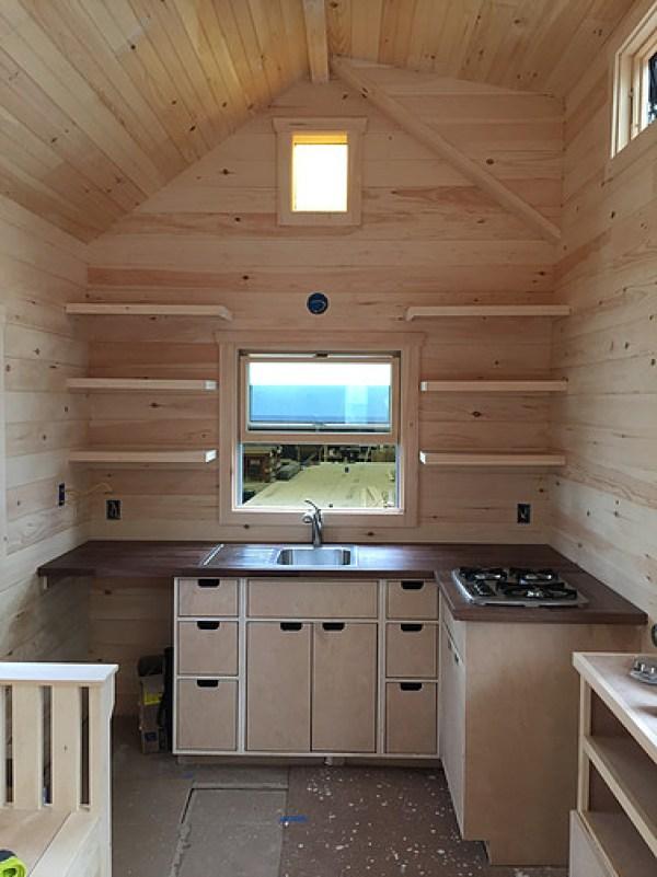 brownie-tiny-house-by-liberation-tiny-homes-002