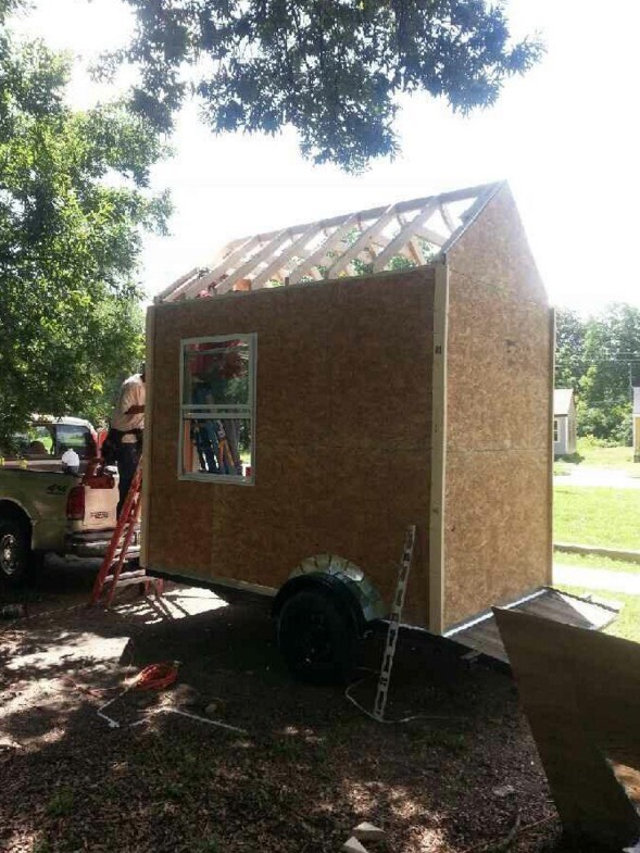 Building Micro Homes for Homeless in Tennessee 02